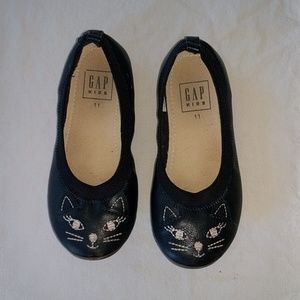 Gap cat shoes